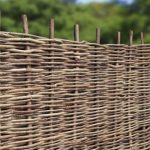 Haselnusszaun HASEL STABIL - Flechtzaun ohne Rahmen